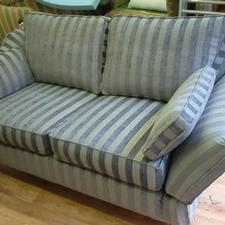 Drop arm sofa